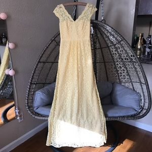 David Bridal Long Cap Sleeve Lace Dress - Canary